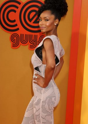 Yaya Dacosta - 'The nice Guys' Premiere in Los Angeles