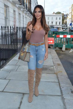 Yazmin Oukhellou - Seen out and about in Chelsea