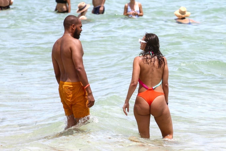 YesJulz 2020 : YesJulz AKA Julieanna Goddard – In a multi-colored bikini on the beach in Miami-16