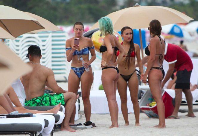 YesJulz in Pink Bikini in Miami Beach Pic 24 of 35