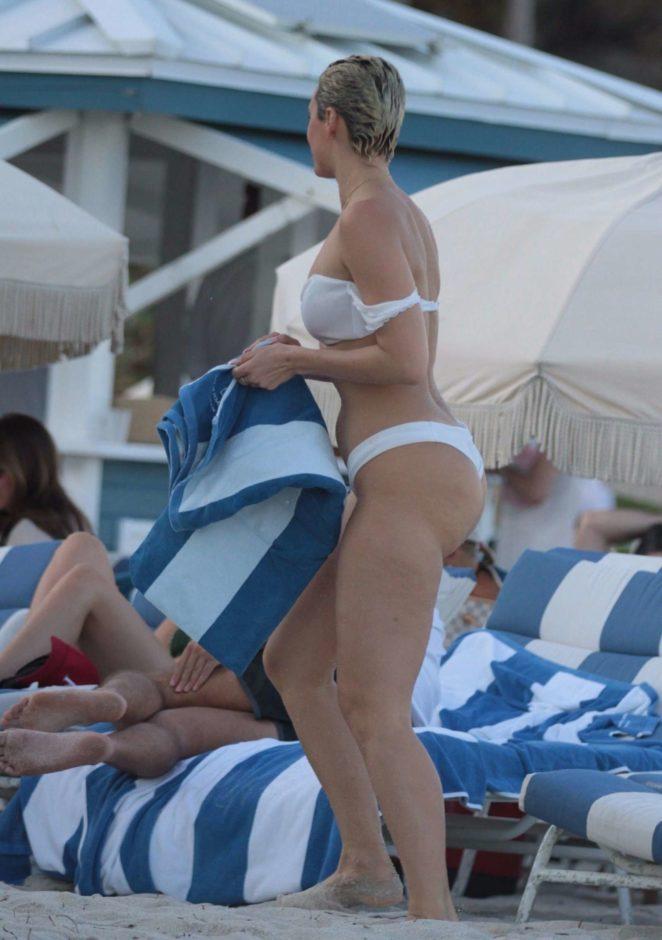 YesJulz in White Bikini 2017 -79