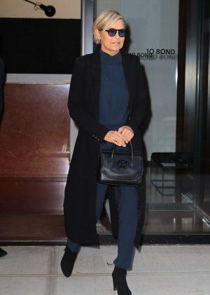 Yolanda Hadid Leaves home in New York