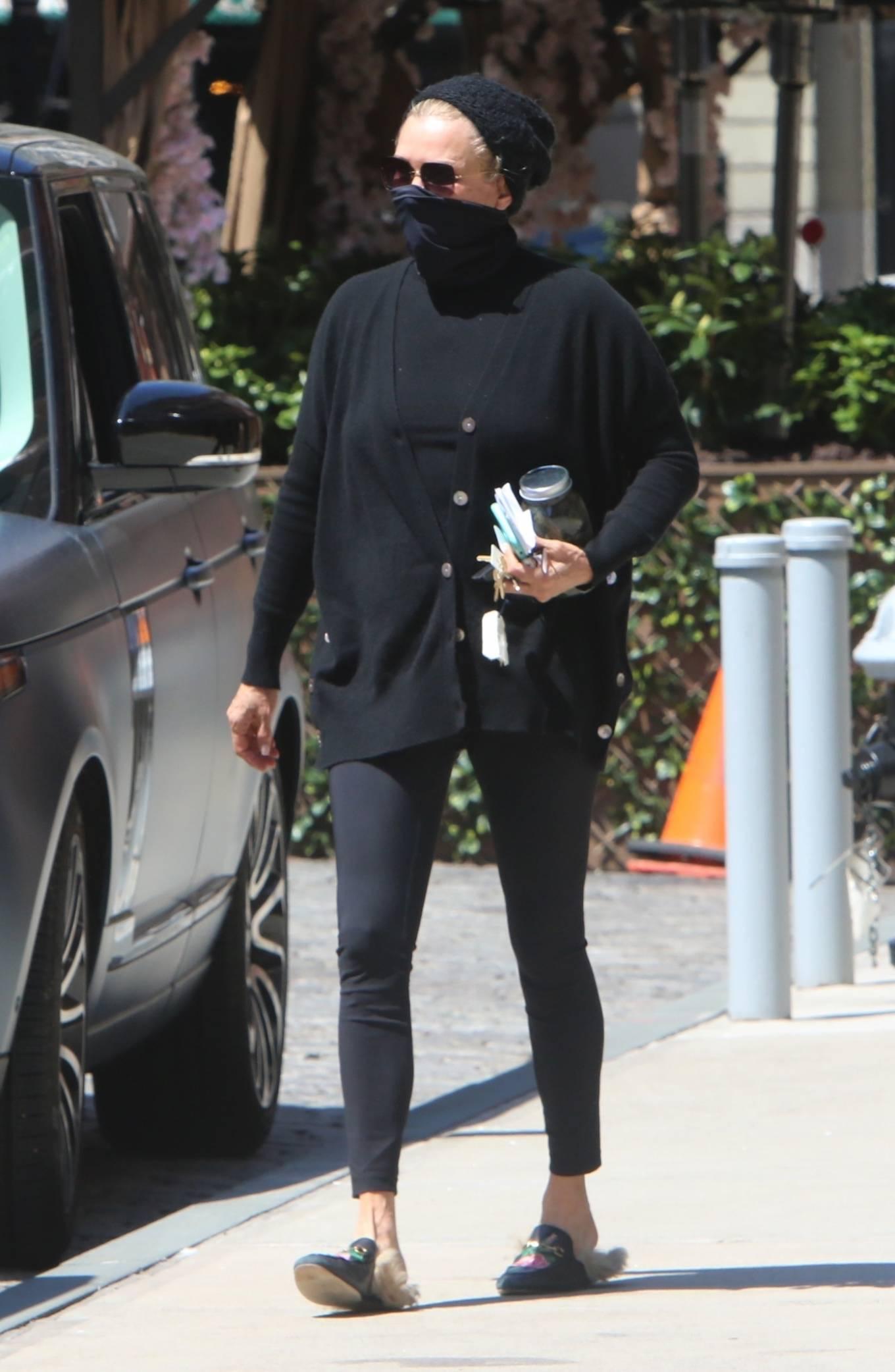 Yolanda Hadid 2021 : Yolanda Hadid – Seen outside of Gigis apartment in New York-05