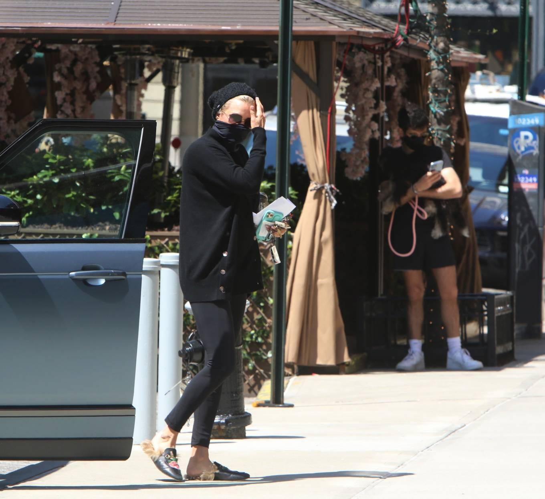 Yolanda Hadid 2021 : Yolanda Hadid – Seen outside of Gigis apartment in New York-06