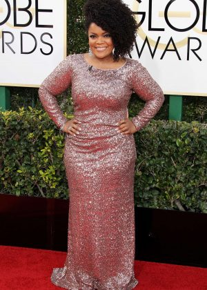 Yvette Nicole Brown - 74th Annual Golden Globe Awards in Beverly Hills