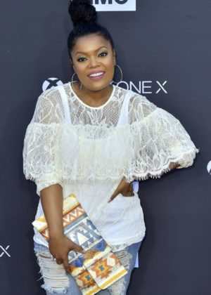Yvette Nicole Brown - 'The Walking Dead' 100th Episode Premiere and Party in LA