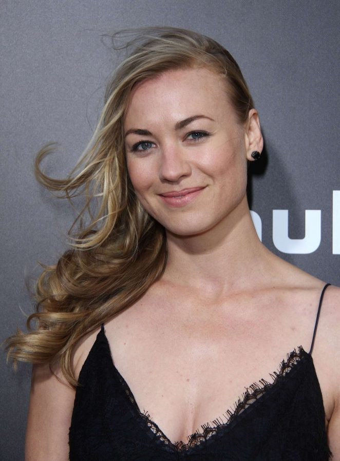 Yvonne Strahovski - 'The Handmaid's Tale' Premiere in Hollywood