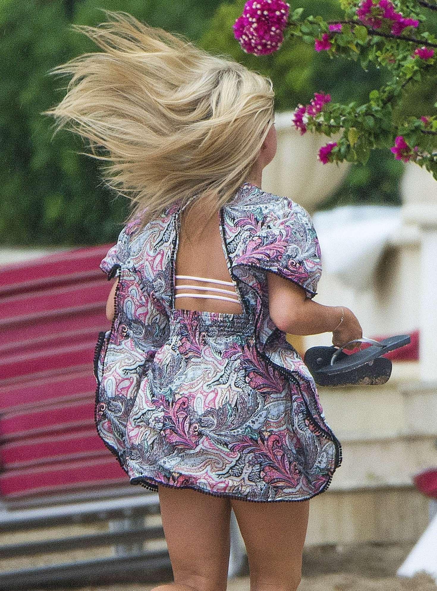 Zara Holland On Holiday In Barbados -12