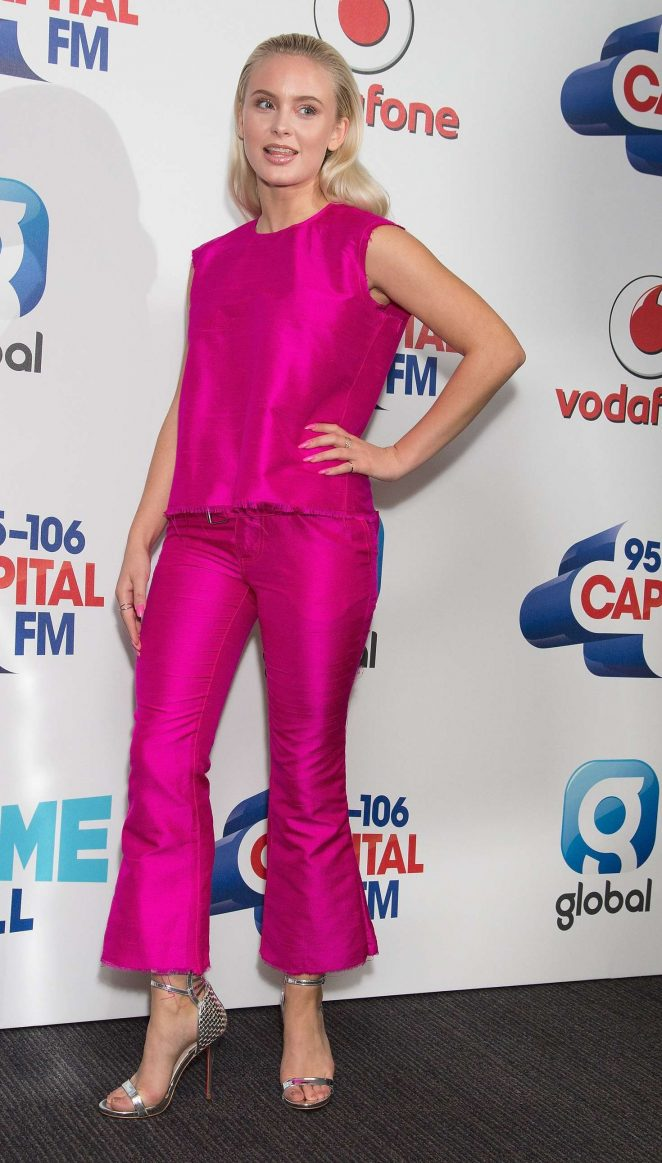 Zara Larsson Capital Fm Summertime Ball 01 Demi