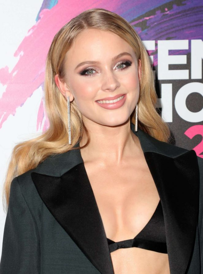 Zara Larsson - 2017 Teen Choice Awards in Los Angeles
