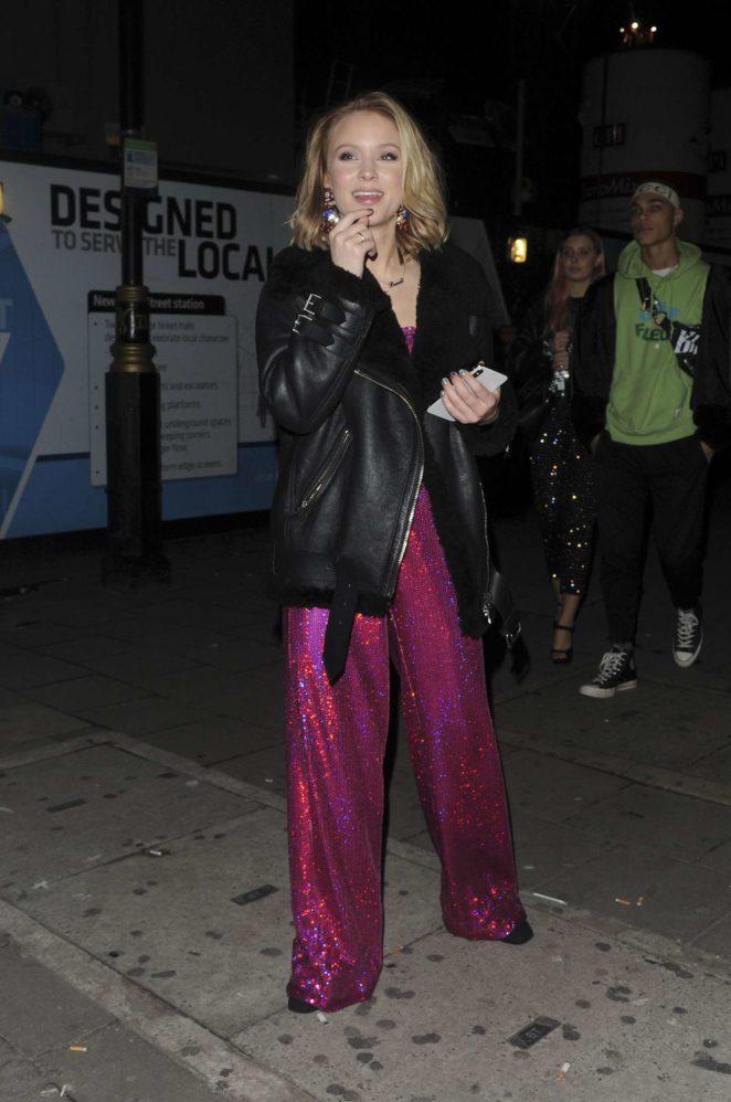 Zara Larsson at the Tape nightclub -01