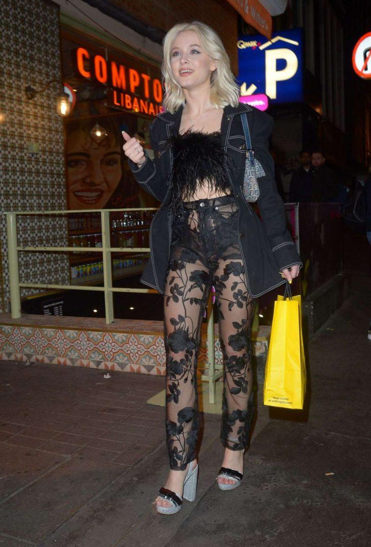 Zara Larsson - Night out in London