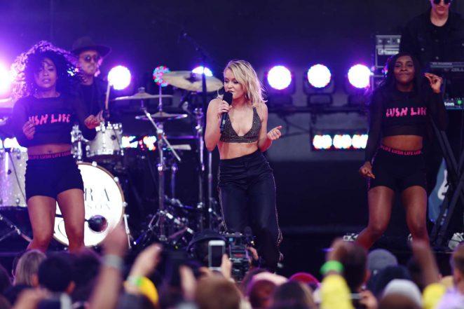 Zara Larsson: Performs at 2017 MTV Movie And TV Awards -02