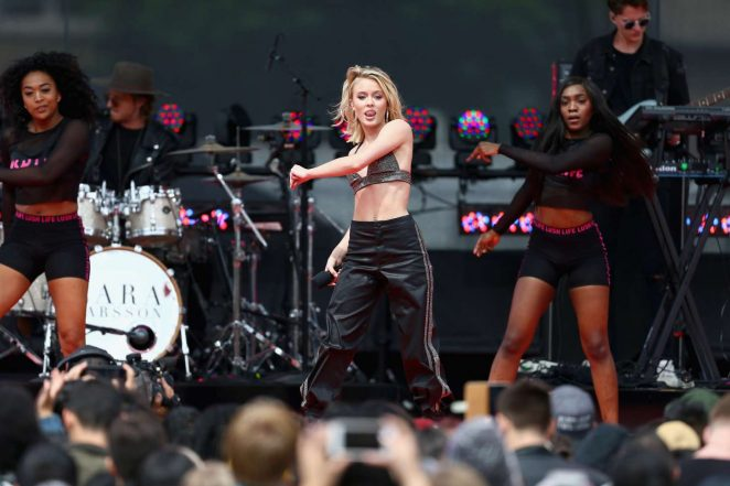 Zara Larsson: Performs at 2017 MTV Movie And TV Awards -19