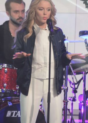 Zara Larsson - Performs at sunrise in Martin Place in Sydney