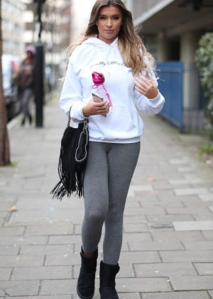 Zara McDermott - Arrives at photoshoot in East London