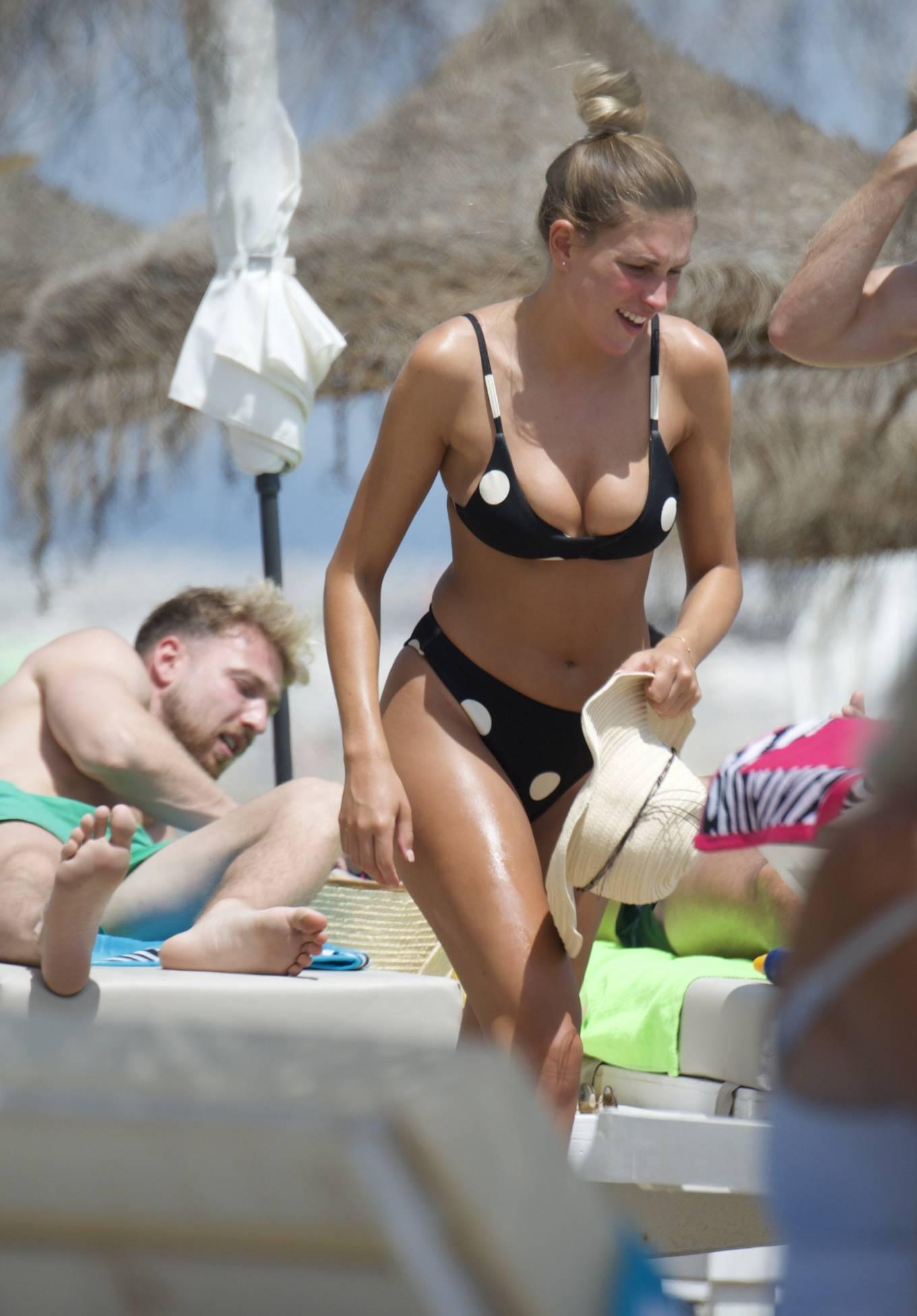 Zara McDermott 2020 : Zara McDermott in Bikini 2020-14
