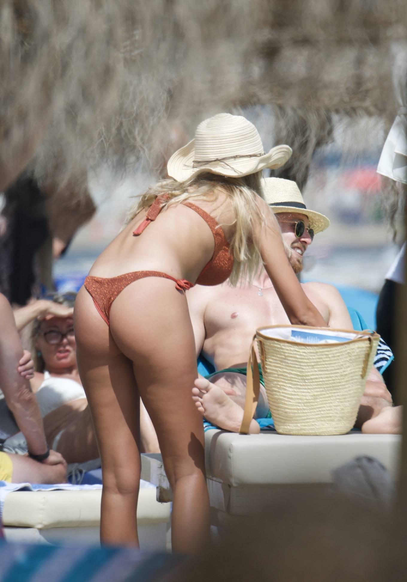 Zara McDermott 2020 : Zara McDermott in Bikini 2020-16