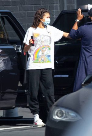 Zendaya - arrives at a studio in Los Angeles