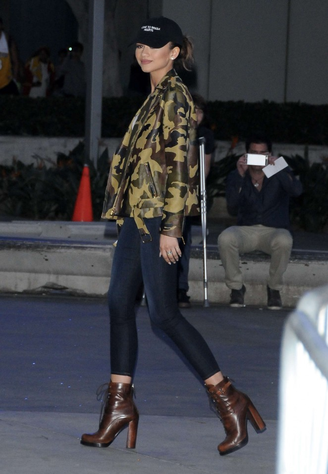 Zendaya: Arrives at Kobe Bryants final game with the LA Lakers -06