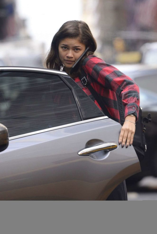 Zendaya Coleman - No Make-Up on Street in New York