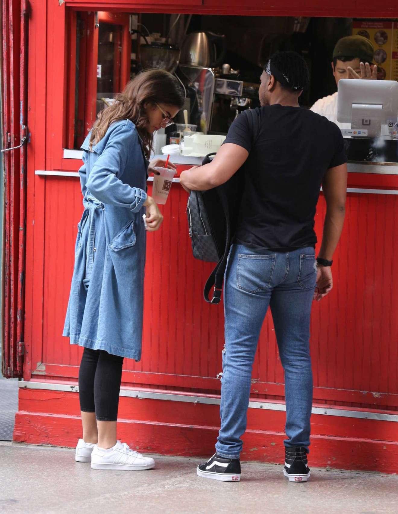 Zendaya Coleman - Shopping in NYC