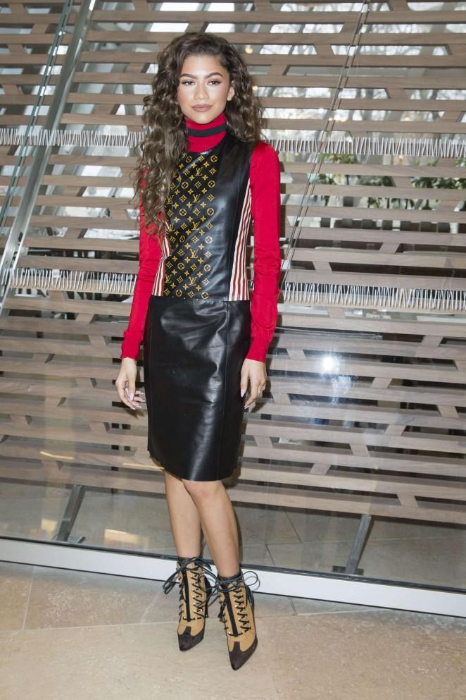 Zendaya: Louis Vuitton Fashion Show 2016 -03