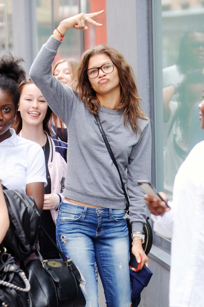 Zendaya in Ripped Jeans Out in Central London