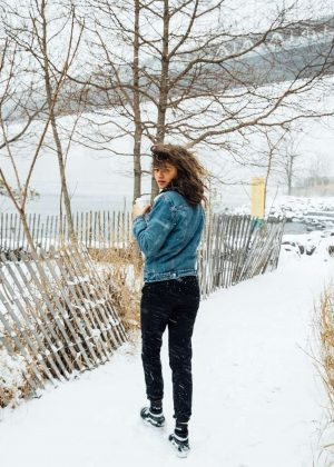 Zendaya - Photoshoot in Manhattan Bridge