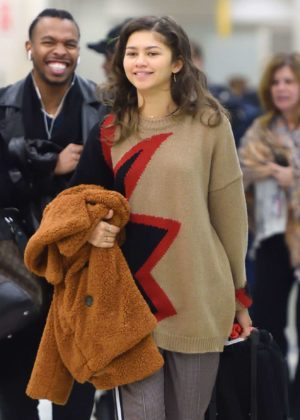 Zendaya - Spotted at JFK airport