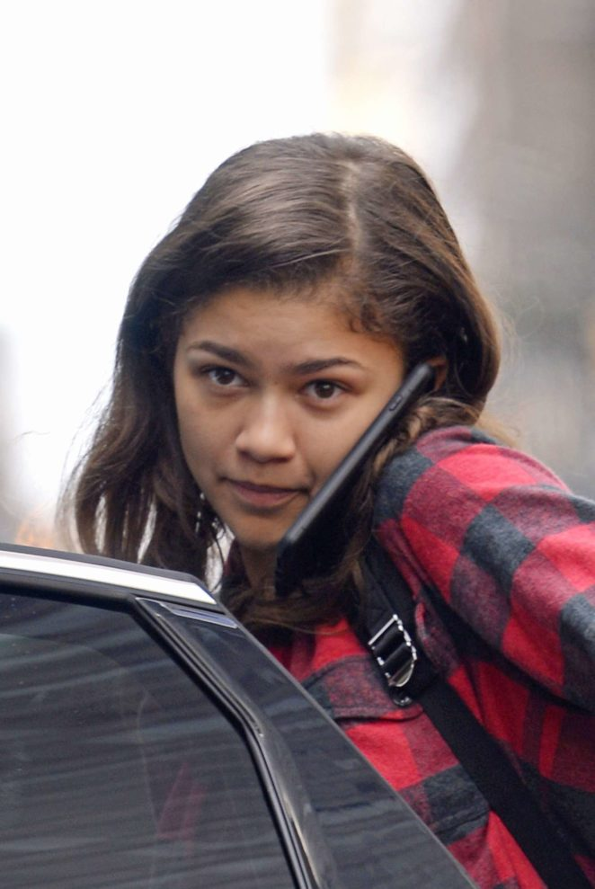 Zendaya without make-up leaving her hotel in New York