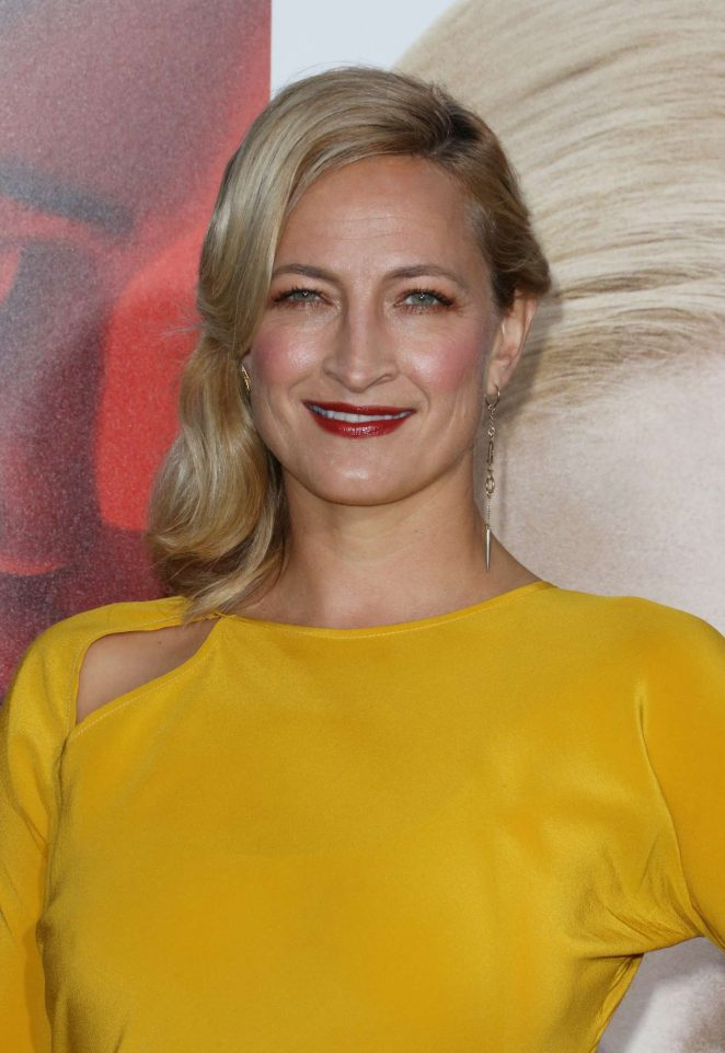Zoe Bell - 'Unforgettable' Premiere in Los Angeles