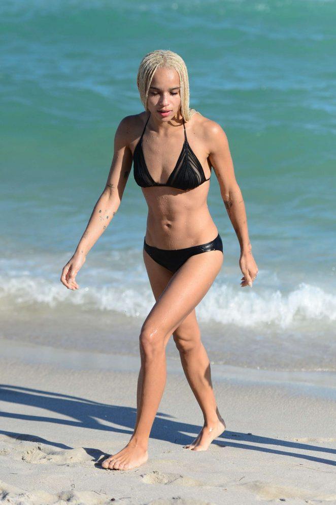 Zoe Kravitz in Black Bikini -04