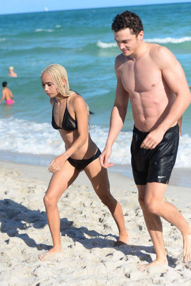 Zoe Kravitz in Black Bikini -11