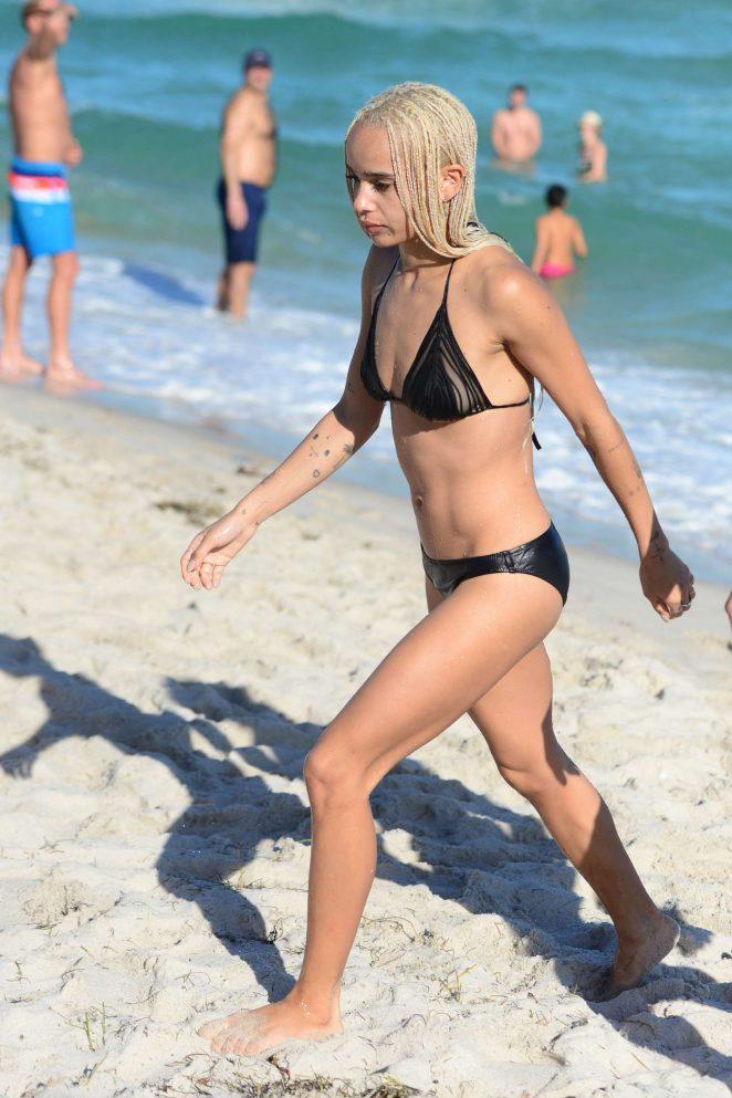 Zoe Kravitz in Black Bikini -12