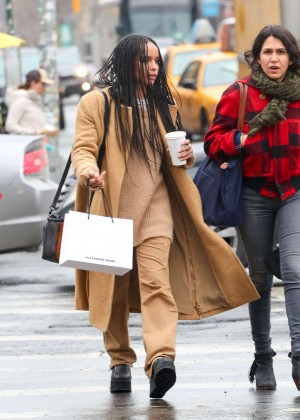 Zoe Kravitz - Shopping in NYC