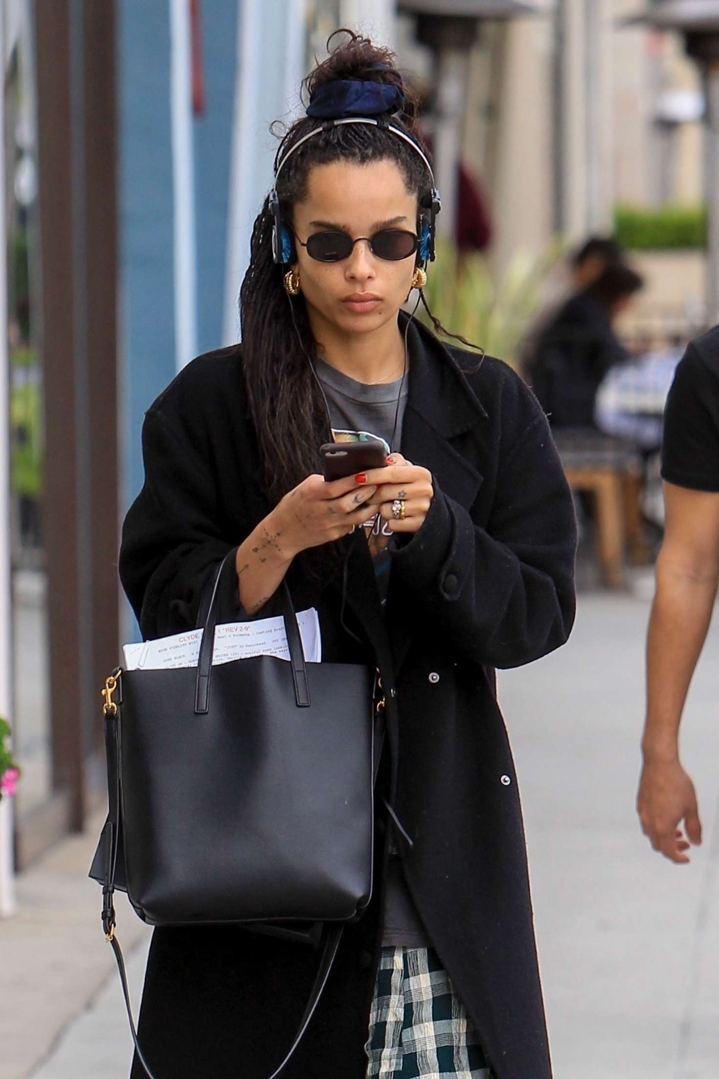 Zoe Kravitz - Shopping on Rodeo Drive in Beverly Hills
