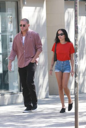 Zoe Kravitz - Steps out for lunch in Brooklyn