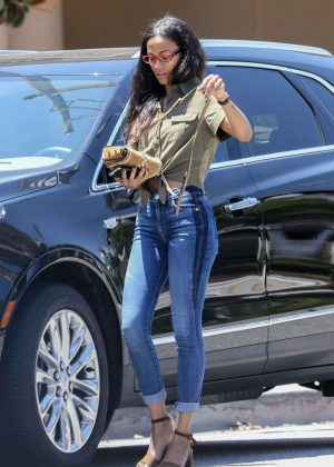 Zoe Saldana in Jeans out for lunch in Beverly Hills
