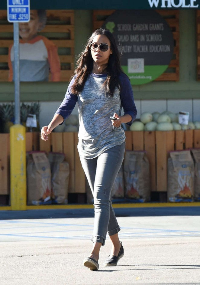 Zoe Saldana: Leaving Whole Foods -04