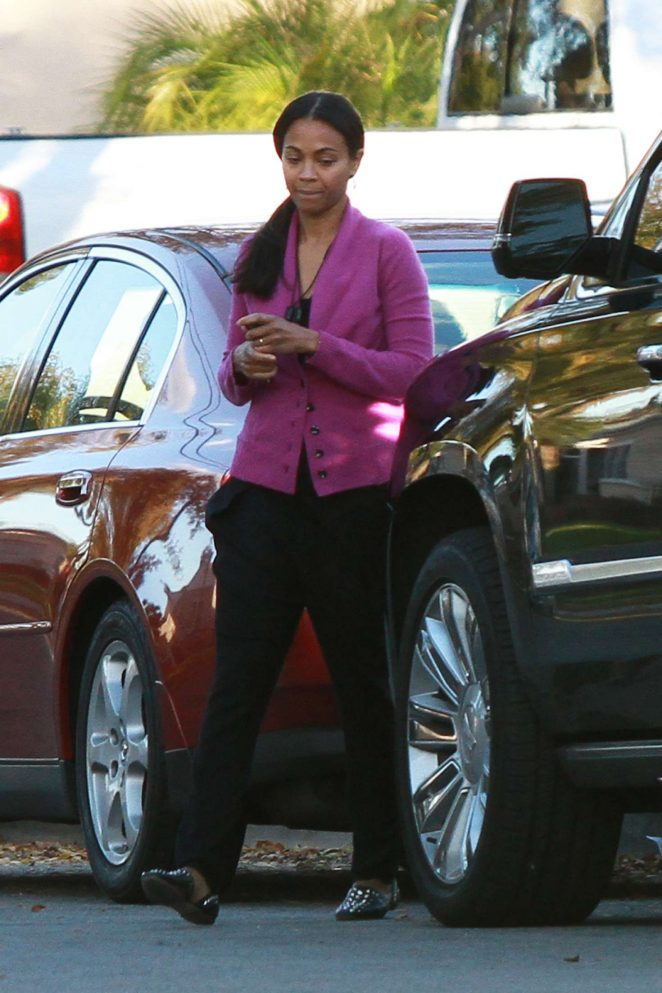 Zoe Saldana – Out in Los Angeles