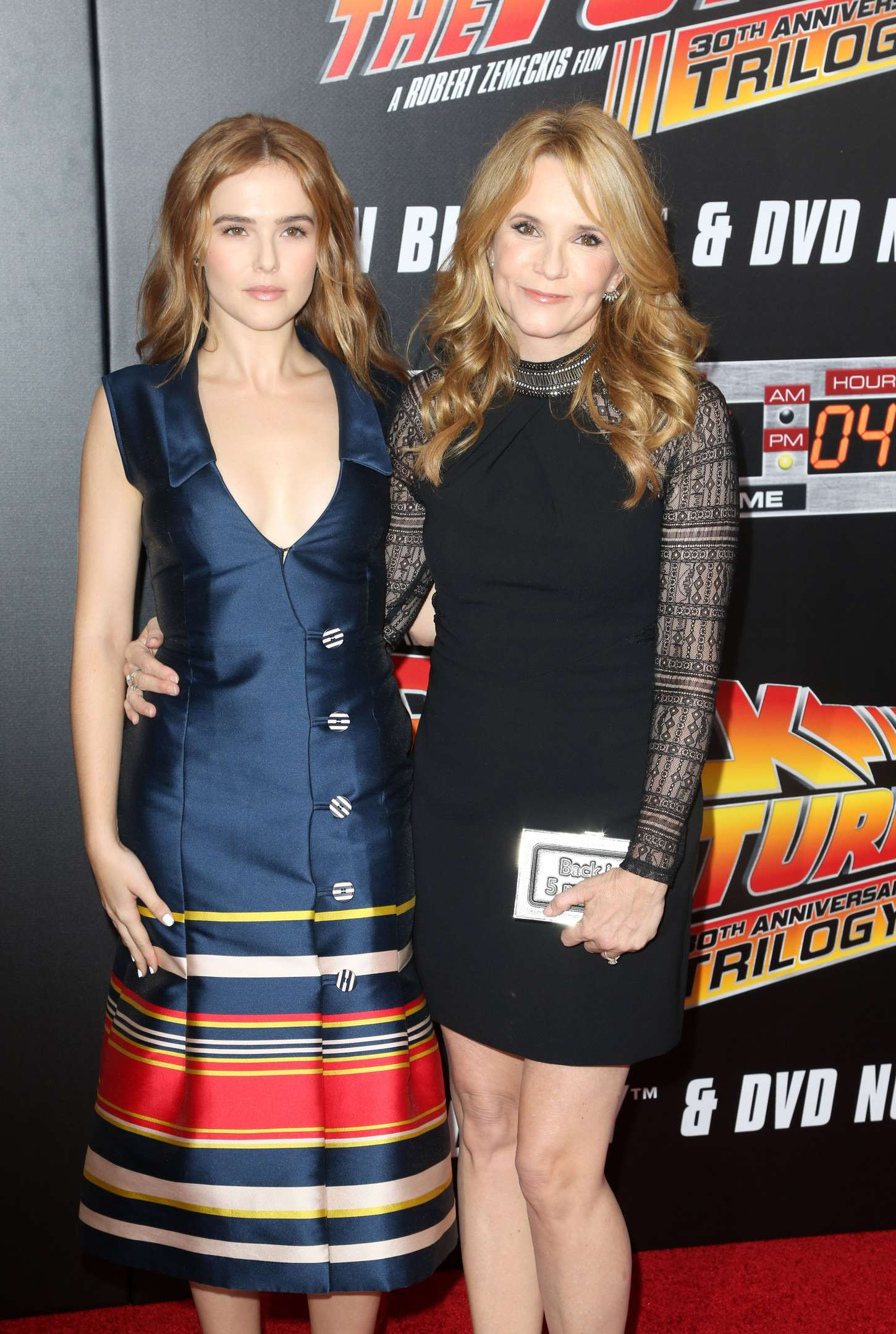 Zoey Deutch 2015 : Zoey Deutch and Lea Thompson: Back To The Future NY Screening -02