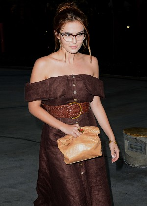 Zoey Deutch - Arriving at the Taylor Swift concert in LA