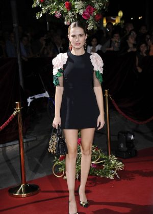 Zoey Deutch - Dolce and Gabbana Show 2017 at Milan Fashion Week in Italy