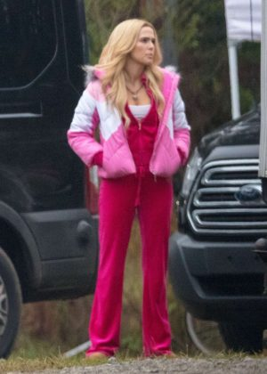 Zoey Deutch in Pink on the set for 'Zombieland: Double Tap' in Atlanta