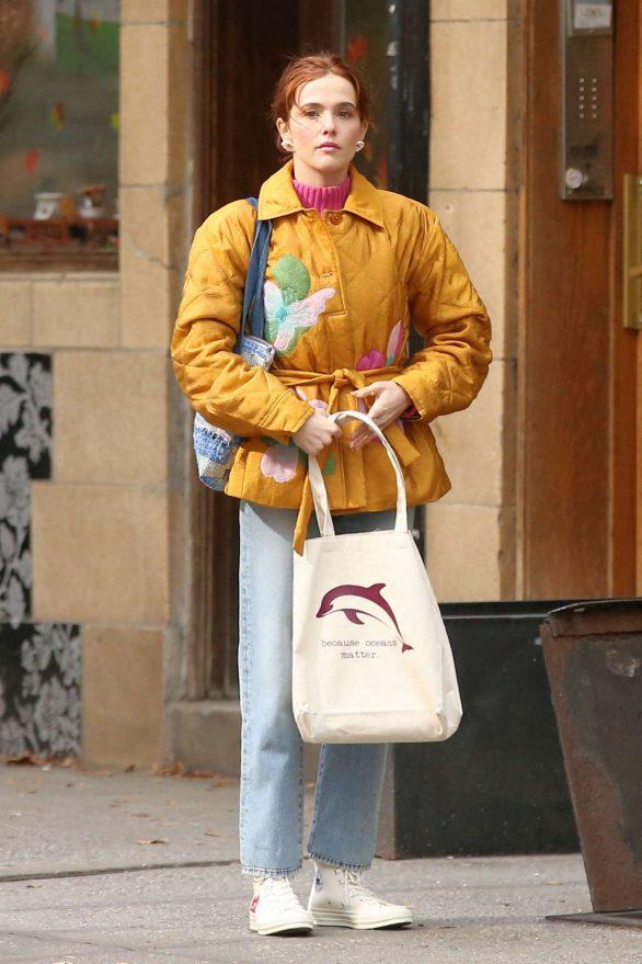 Zoey Deutch - Leaving a Coffee Shop in New York