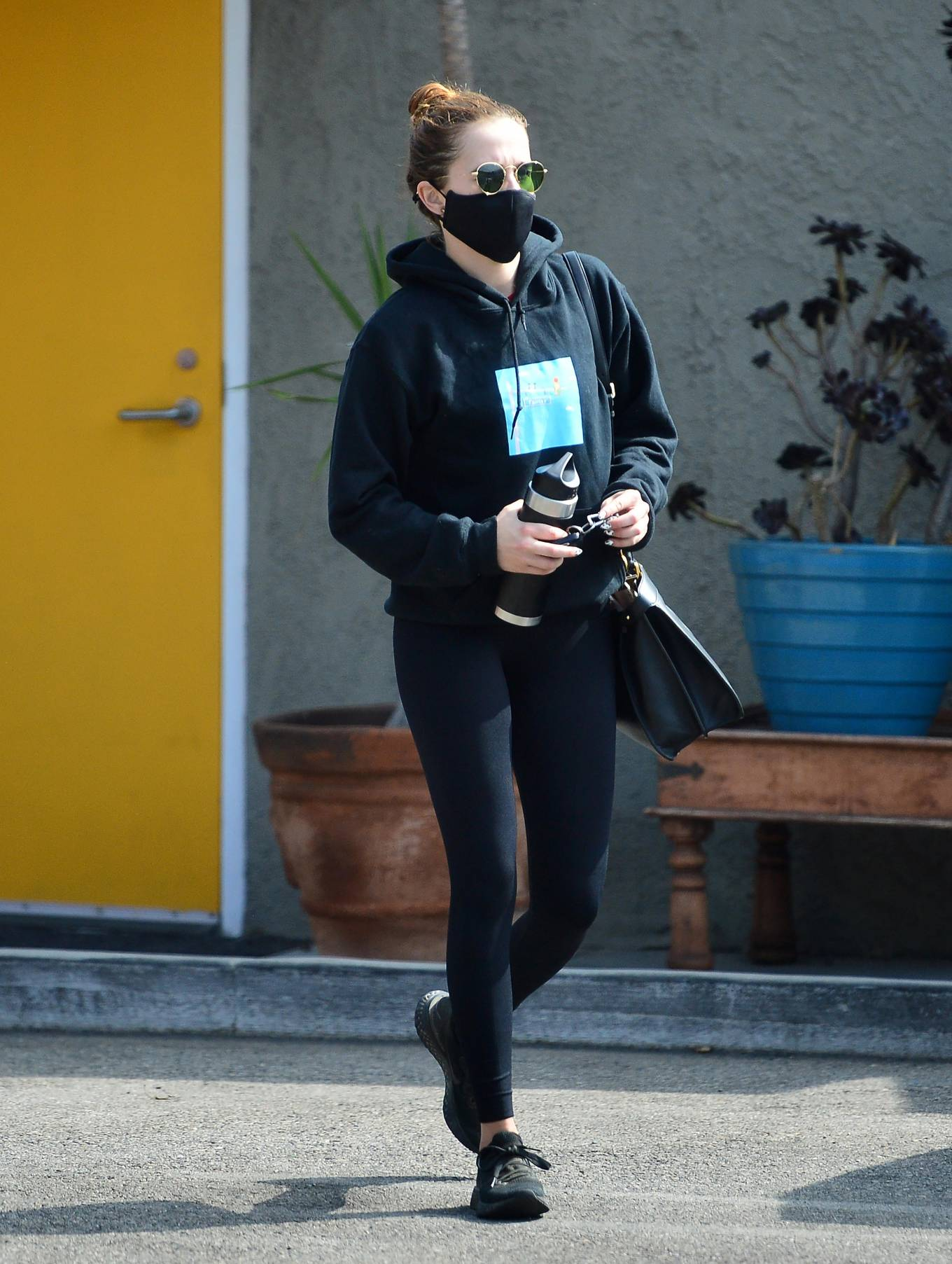 Zoey Deutch - Leaving the gym in Los Angeles