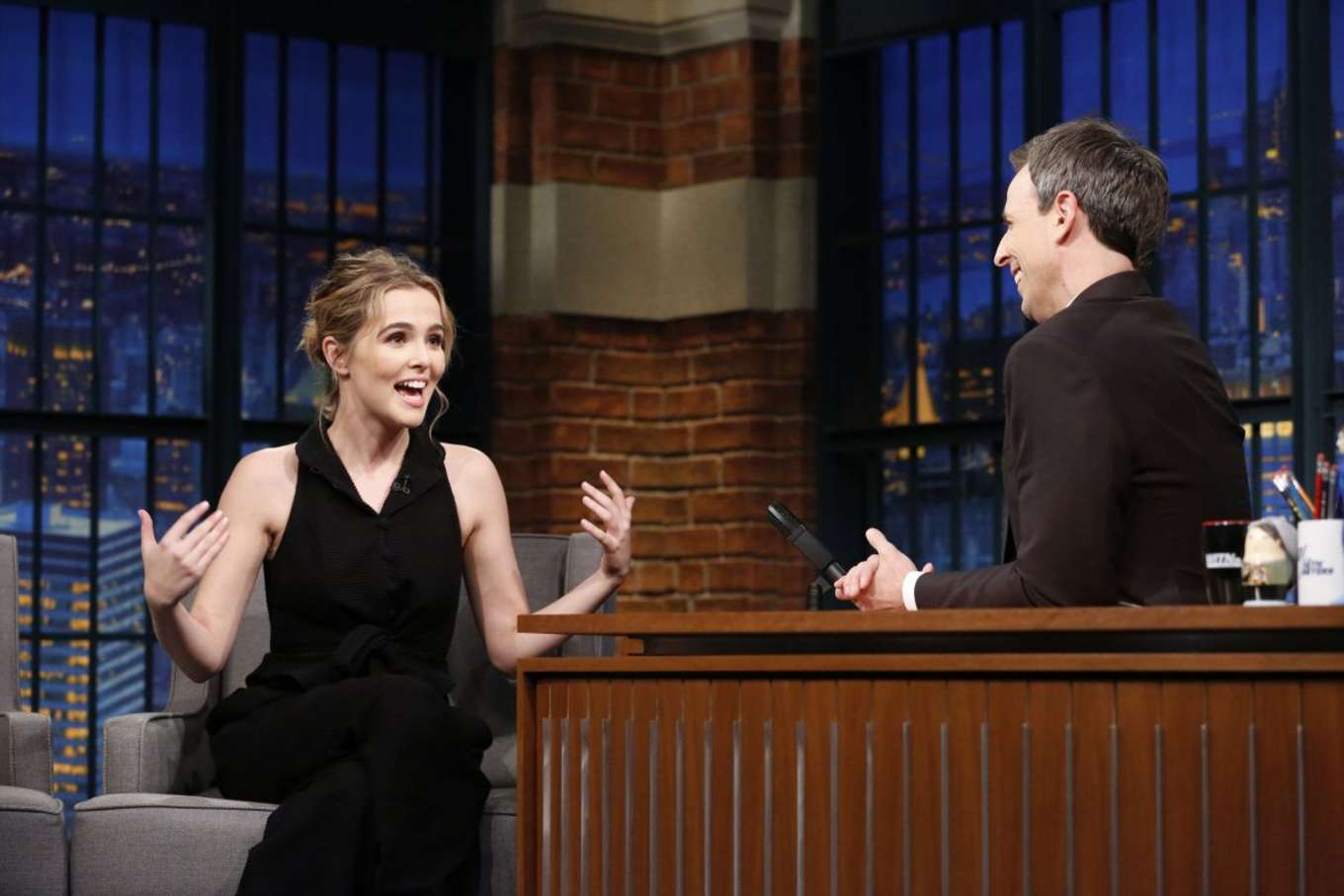 Zoey Deutch 2016 : Zoey Deutch on Late Night with Seth Meyers -03