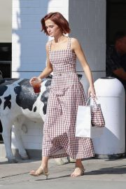 Zoey Deutch - Picking up food from Joan's on Third in Studio City