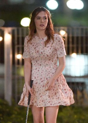 Zoey Deutch - Playing Miniature Golf on Set of 'Set it Up' in NYC